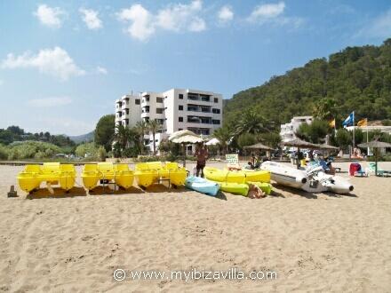 Ibiza boat rental by Juan at Cala san Vicente.