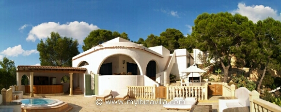 Panorama front view of this Spanish villa in ibiza