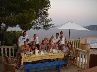gente del chalet en Ibiza