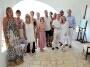 Groeps foto van huurders van Noorwegen die een verjaardag feestje hielden, juni 2010